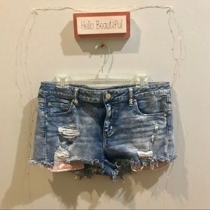 American Eagle shorties with pink lace pocket